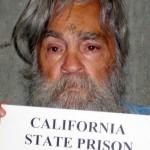 """""""Asesino del diablo"""" Charles Manson de 80 años, se casa en la cárcel con una mujer de 26"""