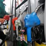 Gobierno no descarta bajar el precio del combustible si se mantiene el costo del petróleo y se estabiliza el dólar