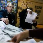 Líderes del movimiento separatista en Ucrania ganan elecciones en áreas insurgentes