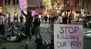 Revuelta social: declaran inocente a policía que acribilló a tiros a joven negro desarmado