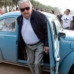 Mujica aseguró que no venderá su automóvil Fusca porque ofendería a los amigos que se lo regalaron