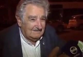 """Video del presidente Mujica y el mendigo """"Cesar"""" impactan al mundo"""
