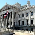 Gobierno y legisladores del Frente Amplio deciden aprobar antes de fin de año el nuevo Código Penal y Ley de Medios