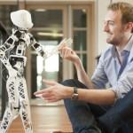 """Dan bienvenida a """"Poppy"""" un robot construido con piezas salidas de una impresora 3D"""