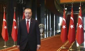 """Presidente de Turquía dice que igualdad de hombres y mujeres es """"contra natura"""" y debe ser solo """"de hombres con hombres"""""""