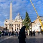 Ministro de Economía del Vaticano descubre cientos de millones de euros fuera del balance