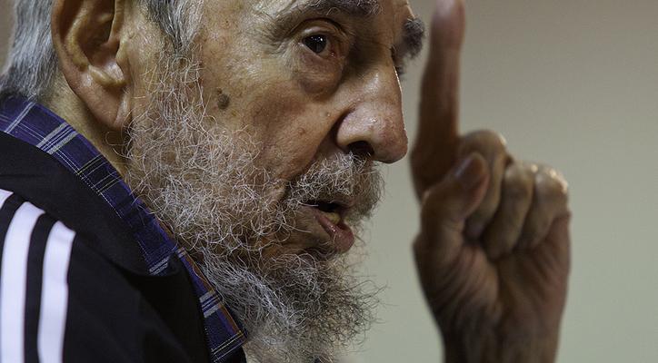 Fidel Castro es galardonado con el Premo Confucio de la Paz 2014 / foto: Las Razones de Cuba