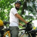Joven brasileño recorre casi 3 mil kilómetros en bicicleta para conocer a Mujica