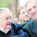 Vázquez y Mujica asisten juntos a asunción de Roussef y hablan sobre transición