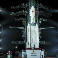 India lanza primer cohete de fabricación nacional