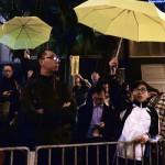 """""""Volveremos"""" claman manifestantes de Revolución de los Paraguas que concluye en Hong Kong"""