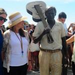 Tom Jobim es homenajeado en Rio de Janeiro con una estatua en tamaño real
