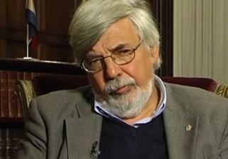 Ministro Bonomi defiende a su par Fernández Huidobro. Asegura que es una de las personas más irónicas al expresarse