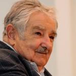 Mujica escribe carta abierta al presidente Obama en la que pide liberación de presos cubanos y levantar el bloqueo