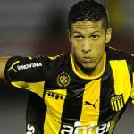 Peñarol estudia ofertas por Jonathan Rodríguez y Kevin Méndez