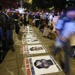 México: marchas violentas en 60 ciudades para que aparezcan los estudiantes o renuncie el Presidente
