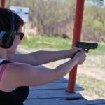 Aumenta la cantidad de mujeres que adquieren armas en EE.UU