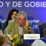 Mujica ovacionado y aplaudido de pie por su discurso ante la cumbre de presidentes de UNASUR
