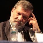 Industriales lamentan alejamiento de ministro Roberto Kreimerman