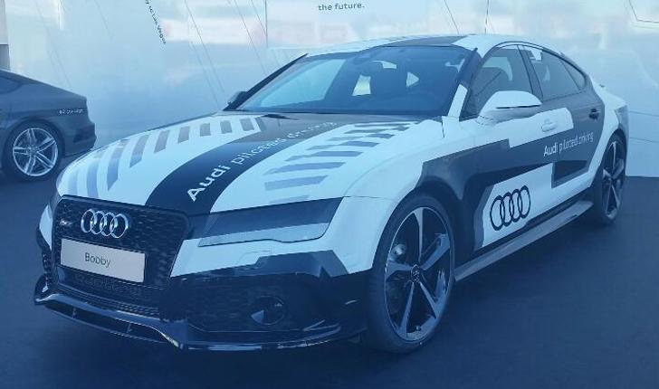 """Audi presentó su auto """"Bobby"""", que no necesita conductor."""