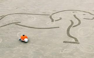 Llega el BeachBot para los artistas en la playa que no quieren ensuciarse con arena
