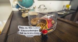 Mc Donald´s cerró en Islandia hace 6 años y la última hamburguesa servida, incorrupta, llega a Museo Nacional