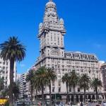 Con singular éxito la plaza Daniel Muñoz recibe muestra sobre el Palacio Salvo