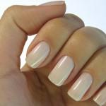 ¿Cómo secar las uñas recién pintadas rápidamente?