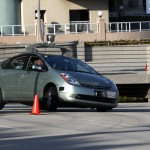 Google Car suma volante, freno y pedales cumpliendo con la ley: anticipa estará en la calle en 2015