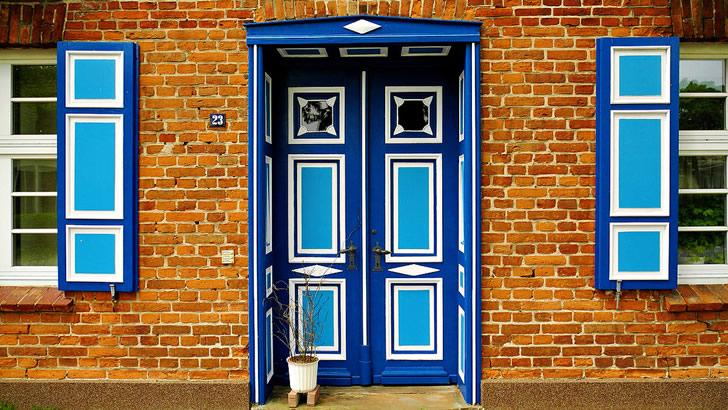 Aislar puertas y ventanas ayuda a enfriar y calefaccionar mejor la casa