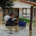 """La Paz: 15 muertos y 50.000 evacuados por """"diluvios"""" y temen peores lluvias en febrero"""
