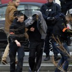 Hombre armado a guerra toma rehenes en una oficina de Correos en la ciudad de Colombes