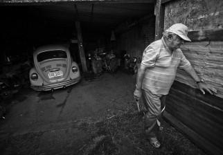 """La chacra de """"Pepe"""" ha sido visitada por gran cantidad de periodistas de todo el mundo, a los que el mandatario les enseña su """"Fusca"""", con todo orgullo. / Foto: Gonzalo Viera"""