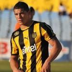 Carlos Núñez se iba a jugar a Colón de Santa Fe, pero Racing de Avellaneda ofertó el doble y jugará en el campeón argentino