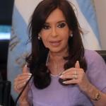 """Imputación del fiscal a Cristina Kirchner es """"golpismo judicial activo"""" afirma jefe de Gabinete en Buenos Aires."""