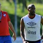Nacional: Gutiérrez presentó la lista de 25 jugadores para la Copa Libertadores en la que no está el 'Loco' Abreu, pero sí Pereiro