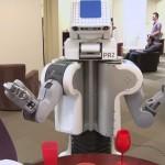 Presentan Personal Robot 2 capaz de encontrar la ropa sucia donde esté, lavarla y dejarla doblada
