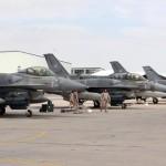 Bombardean pozos de petróleo en poder del Estado Islámico para cortar financiamiento de guerra