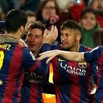 Barcelona remontó al Villarreal y le ganó 3-2 para seguir como único escolta del Real Madrid en la liga española