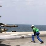 Buque insignia de Francia, submarino nuclear y fragatas contra el Estado Islámico