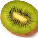 El kiwi es una gran fuente de vitamina C