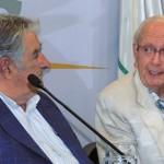 Mujica participa en premiación de proyectos para construcción de biblioteca Daniel Vidart