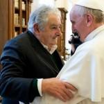"""Ofrecimiento del papa Francisco para ayudar en búsqueda de desaparecidos es apoyada por Mujica: """"La opinión del papa siempre sirve"""""""