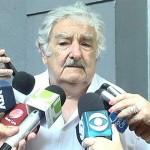 """José Mujica: """"Si cada uno aportara 2 o 3 pesos con cada factura se podrían construir 5.000 viviendas al año"""""""