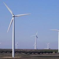 Ministro de Industria afirmó que nueva matriz energética permite una mayor competitividad