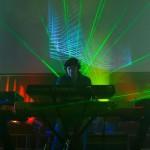"""Se presenta """"Quantum"""" de Emil Montgomery: música electrónica, sinfónica y étnica"""