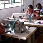 El Sindicato de la Aguja instala un taller de vestimenta para capacitar a reclusas