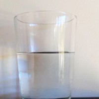 ARCOmadrid, máxima Feria Internacional de Arte Contemporáneo, cotiza 20.000 euros un vaso de agua