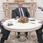 """Ucrania: Rusia acuerda con Alemania y Francia un plan de paz """"global"""" con aval de EE.UU."""