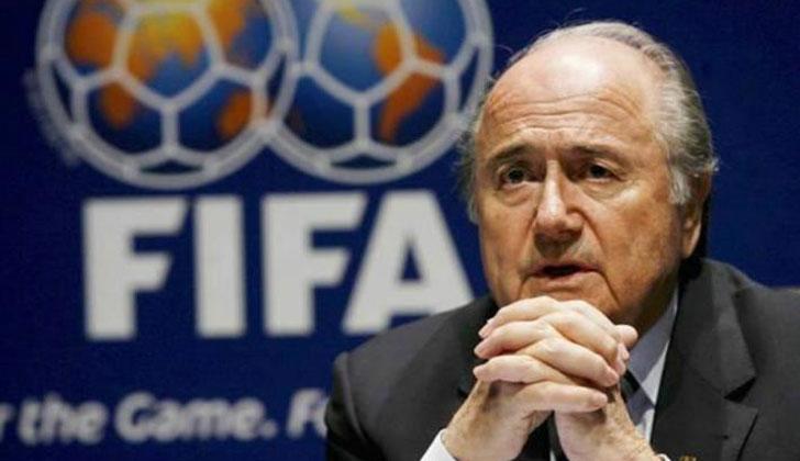 """Blatter asegura que """"falta coraje para detener el racismo"""" en el fútbol"""